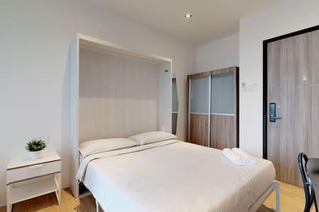 Studio Queen Service Apartment at Outram Park (1)
