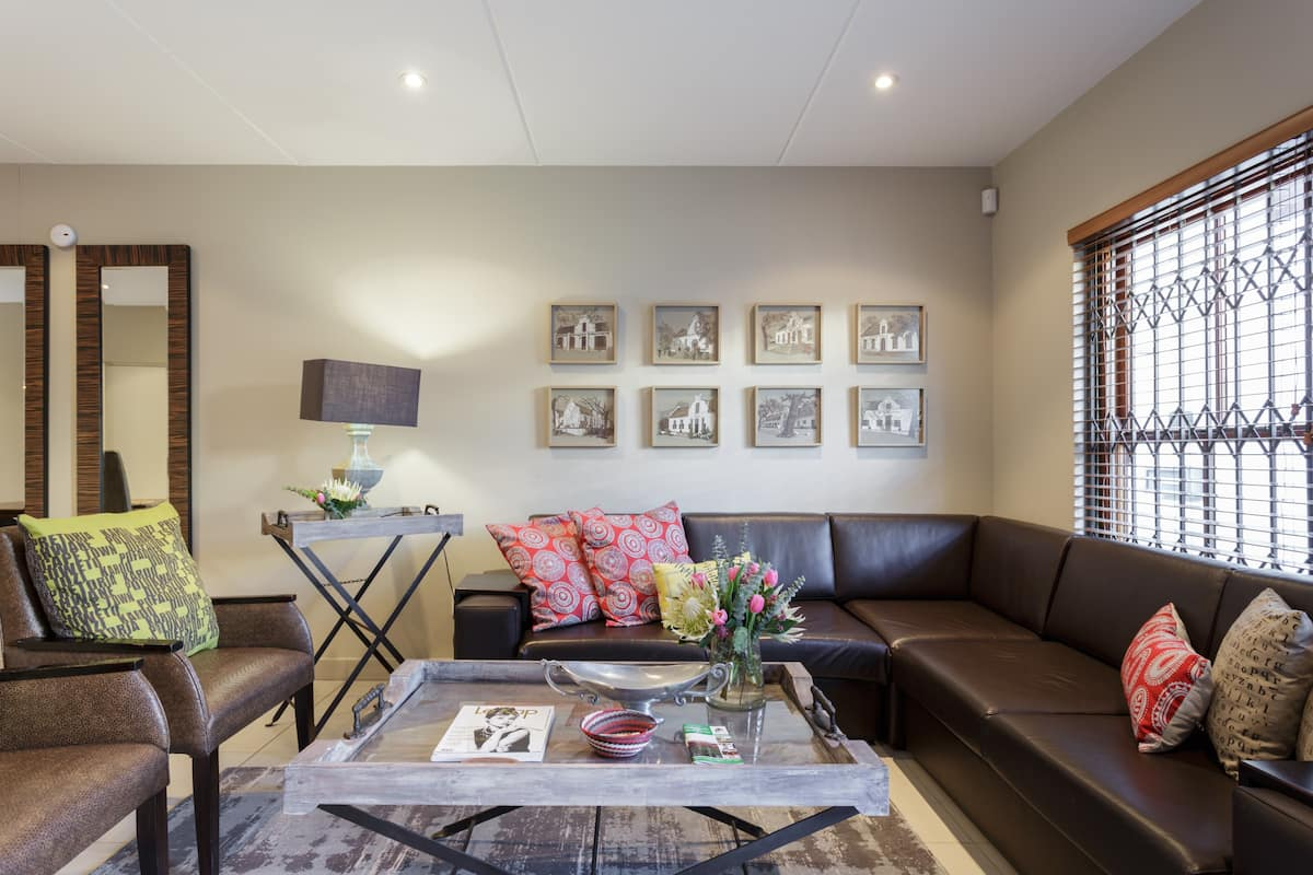 Spacious Apartment with BBQ Facility in Central Stellenbosch