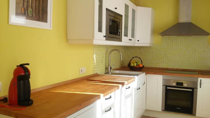 Cosy apartment in the old town of Laxe