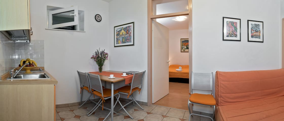 ORANGE APARTMENT - APARTMANI OKO