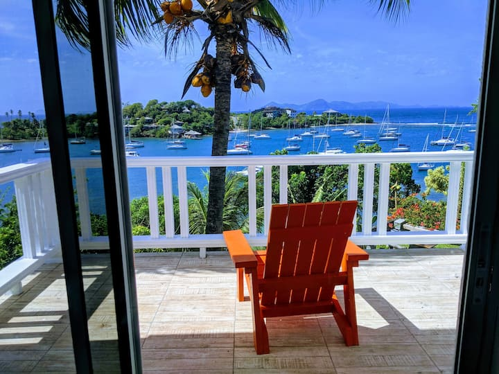 Coconut Lookout | Stunning views and steps to sea