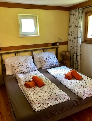Schlafzimmer Nr. 1 (Bedroom no. 1)