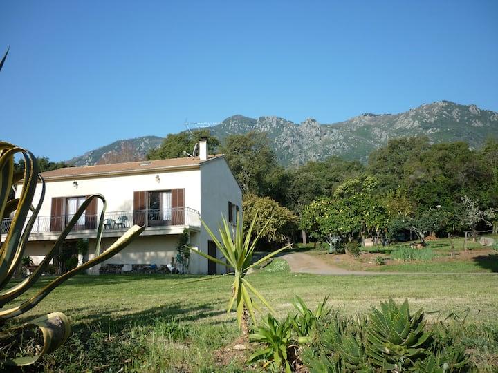 Entre mer et montagne dans la Costa Verde