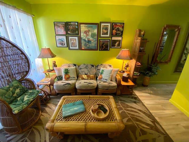 Jungalow - Living Room