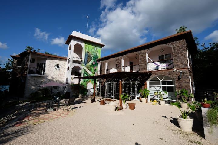 Bacalar lagoon ★ Boutique lagoon view villa Kayak5