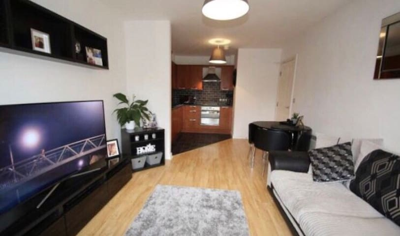 Guest room for short term rent in a cosy flat