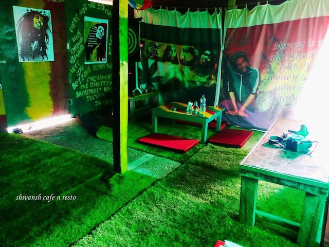 SHIVANSH CAFE & RESTO (ROOMS, Restaurant & Tents)