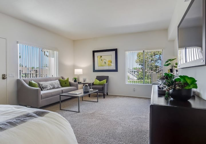 Everything You Need | 1BR in South Coast Metro