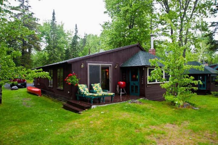 SBLL 03 - Adorable cabin in Saddleback Lake Lodge cottage community.
