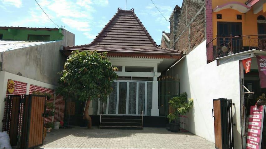 Rumah Mba Ayu 3, Modern Joglo Style