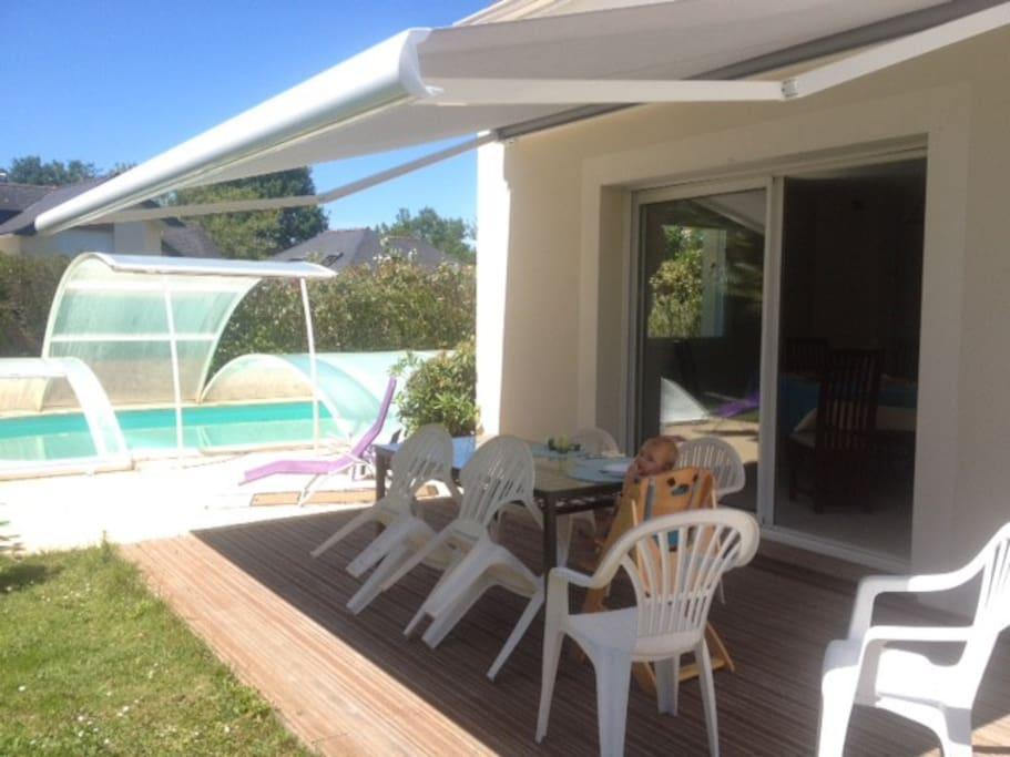 Maison piscine calme 2min nantes houses for rent in for Piscine de carquefou