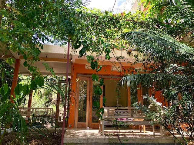 Eco-Villa between Jogja City and the Beach - Jetis - Huvila