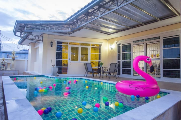 Pooh House  Hua Hin pool villa.