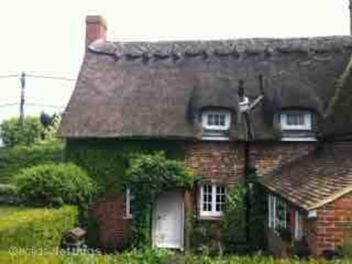 Little Impetts Thatched Cottage canterbury kent
