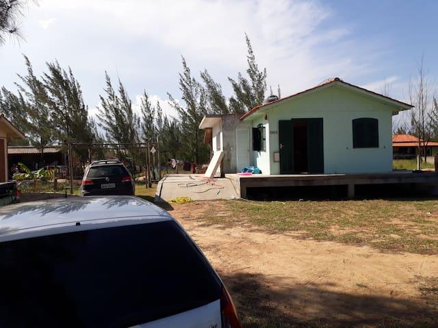 Casa  de frente pro mar na praia de jaguaruna