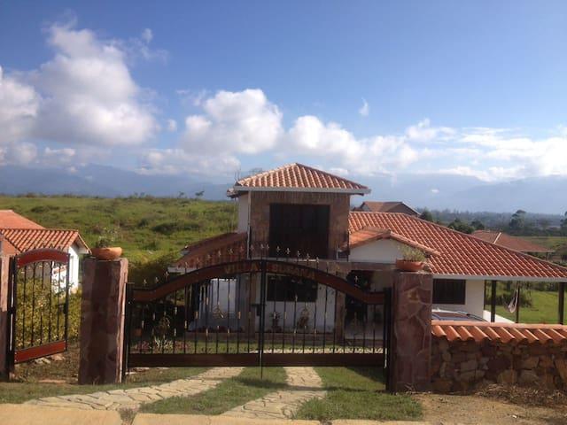 Cabaña Mesa de Los Santos