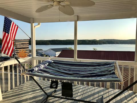 Lakeview Cottage-Amazing Views in Badin Shores