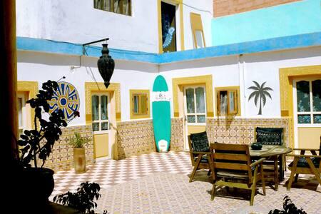Shine Smile Beach House with Garden - Tamraght - บ้าน