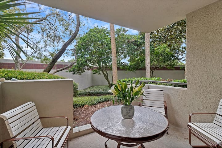 Beautiful Oceanside Studio Condo