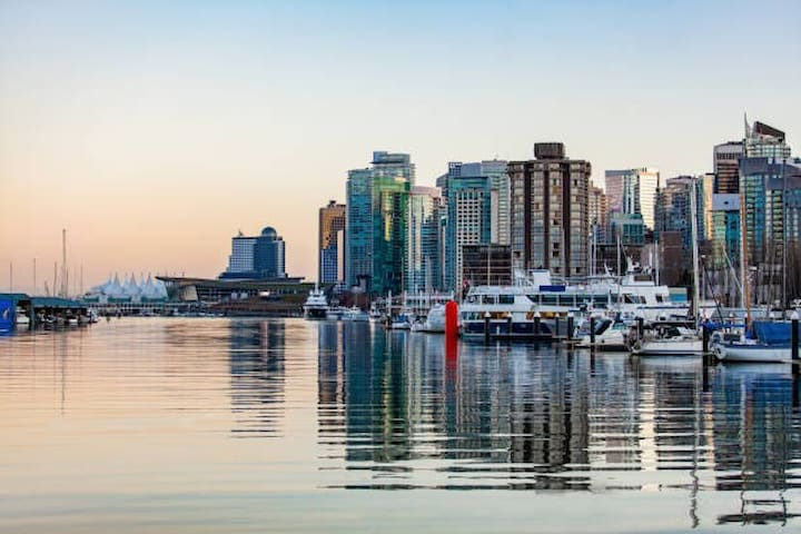 Exotic Suite Sleeps4 In Downtown   Coal Harbour!