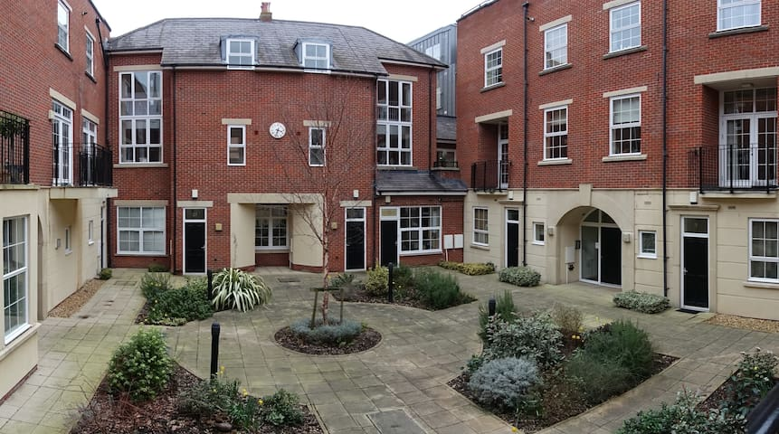 Modern and Quiet Flat in the Heart of Bristol
