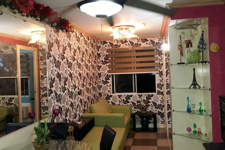2-Bedroom condo w/ Wifi,neat & cozy - Quezon City