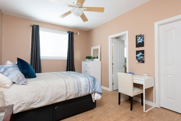 The Master Bedroom & Ensuite Kanata North