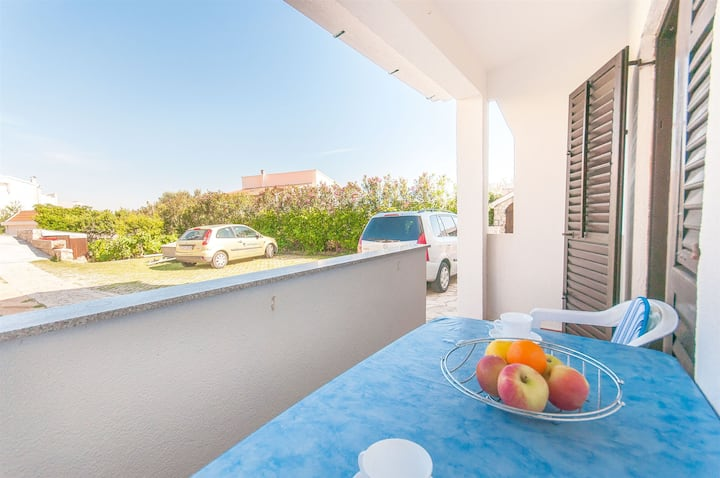 Studio Apartment, seaside in Pag - island Pag, Balcony