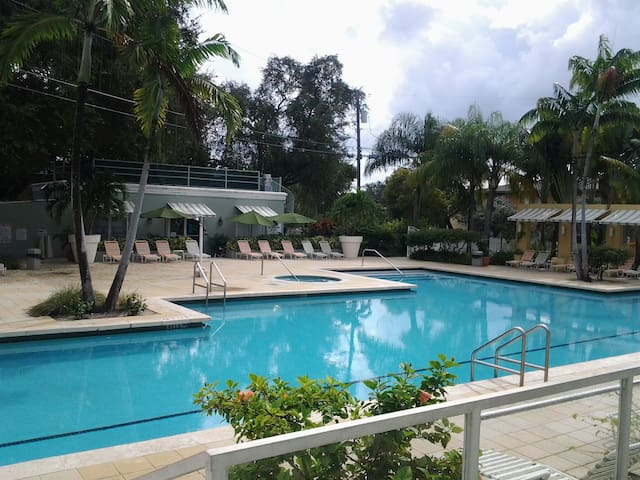 11 mnts near Miami Beach  room $45 - Miami - Apartment