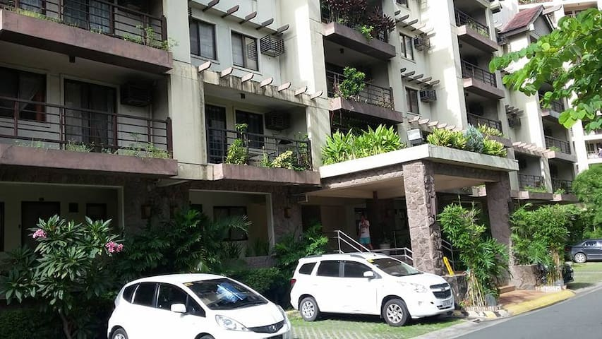 Condominium near the Airport - Parañaque - Osakehuoneisto