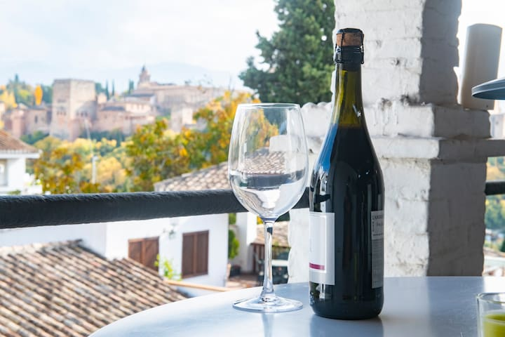 Estudio con terraza y vistas a la Alhambra