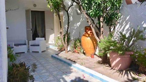 Dèpendance con giardino privato