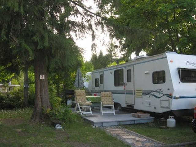 Christina Lake -Private new trailer - Christina Lake - Camper/RV