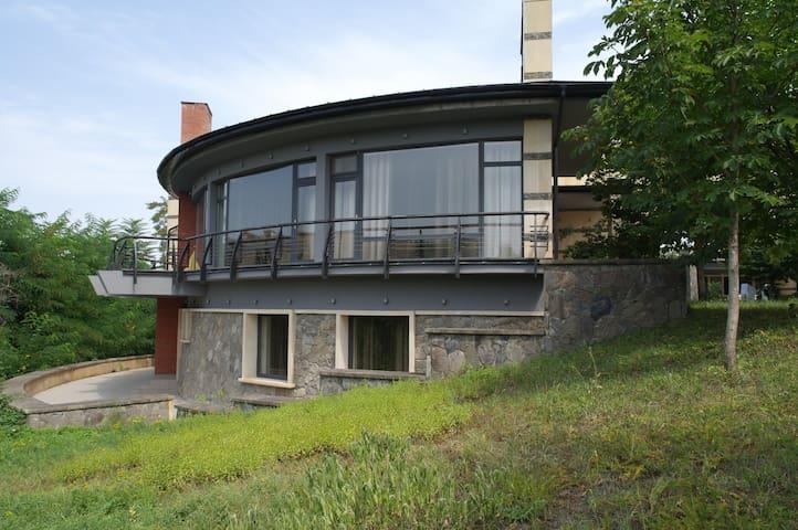 QUDYAL_HOUSE