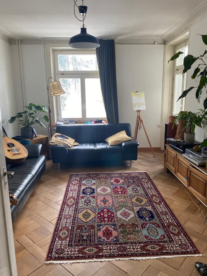 Private Room in 4,5 room apartment