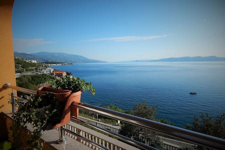 Elegant & Comfortable Seaside Apt. - Senj