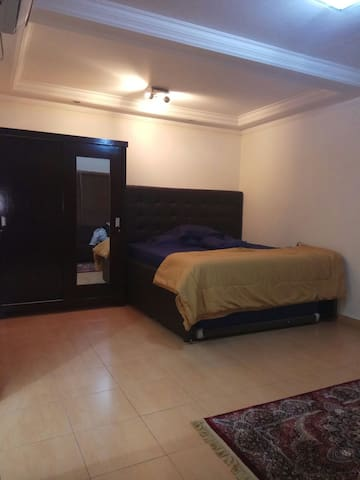 Room for rent daily weekly w superking + queen bed