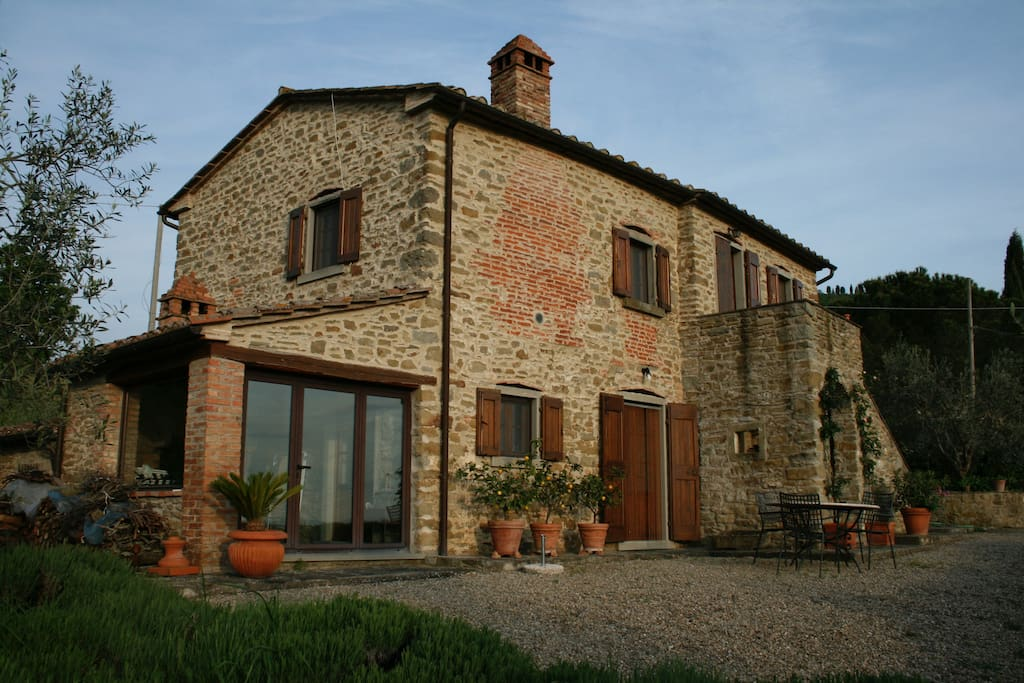 700 year old restored tuscan home houses for rent in for Rent a home in italy