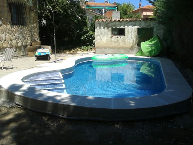 Charming house with private swimming pool - Pelayos de la Presa - Dom