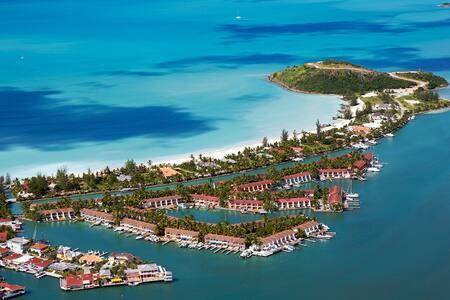 Jolly Harbour AMAZING Villa! - Casa