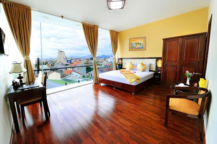 Balcony Deluxe-The best 3-star Hotel in VN