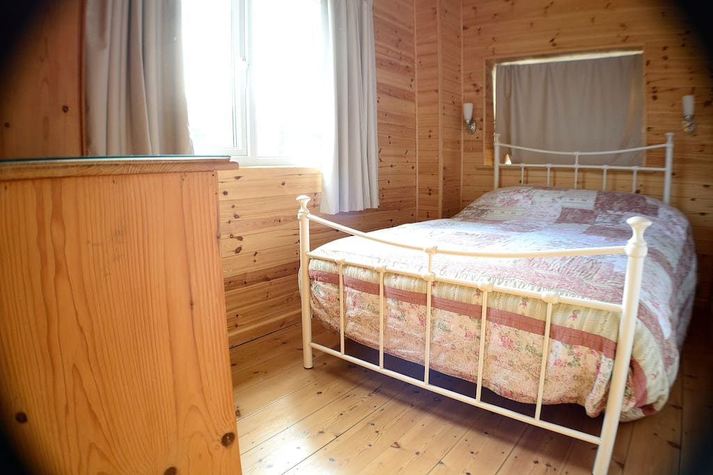 Cosy double bed room