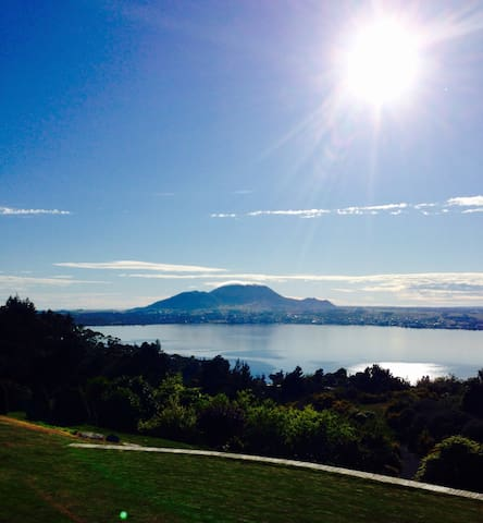 Amazing Lake View - Taupo - Casa