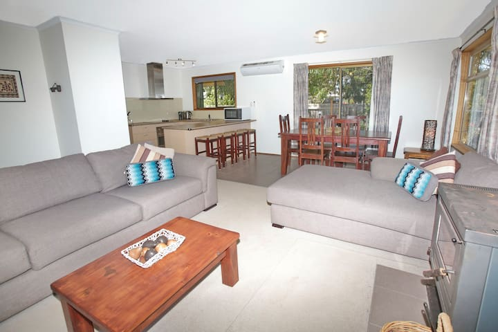 Pet Friendly, Island Holiday House
