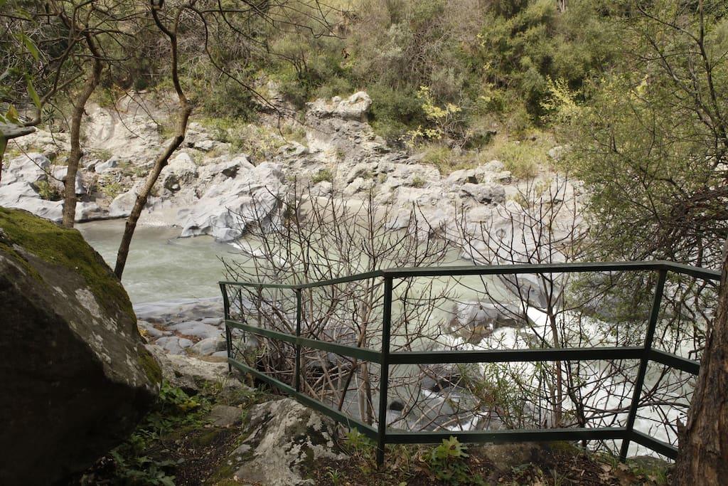 Discesa al fiume da casa