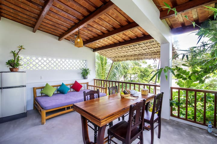 PRIVATE 4 BEDROOMS LITTLE FAMILY HOUSE
