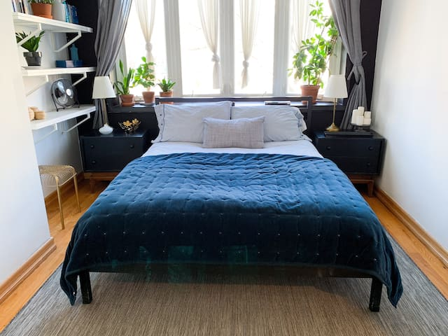 Large 2 Bedrooms Apt. in Greenpoint/Williamsburg