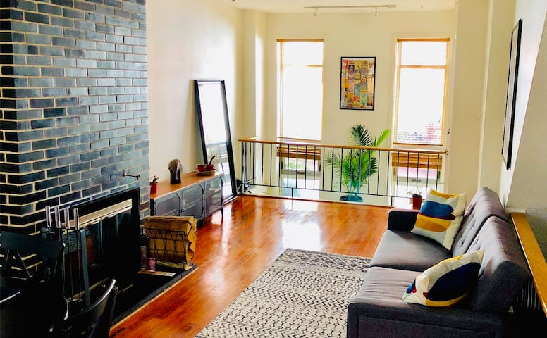 Center City-Rittenhouse 2BR Apt w/Private Patio