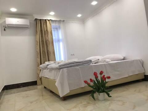 Shaarei Zion hotel