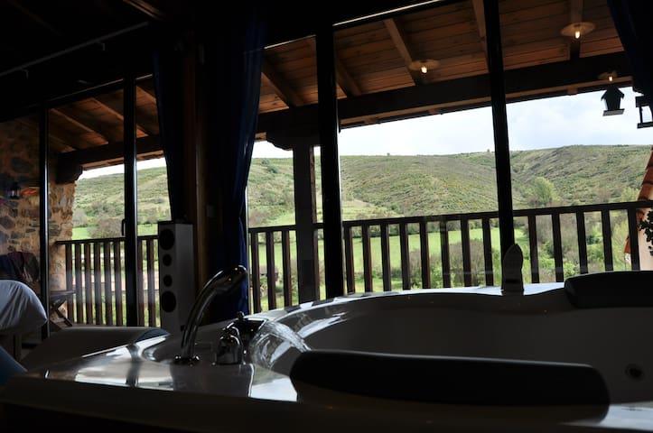 Suite romántica con jacuzzi XXL a 27 km. de León